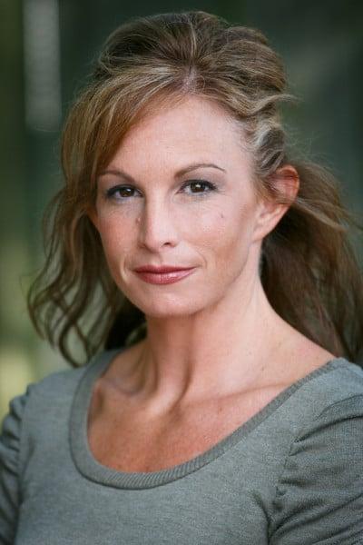 LizCooper-Actor-Headshot-NinaParkerStudios-0423